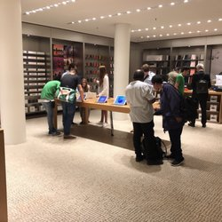 Apple Store   57 Photos   72 Reviews   Virus Removal for Android     Photo of Apple Store   Paris  France