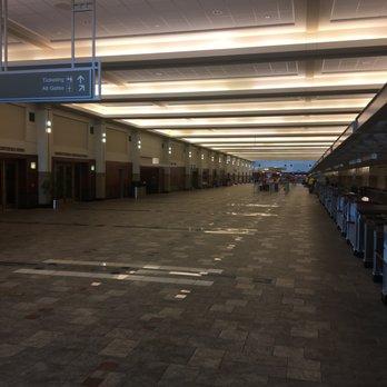 Dane County Regional Airport - 115 Photos & 200 Reviews ...