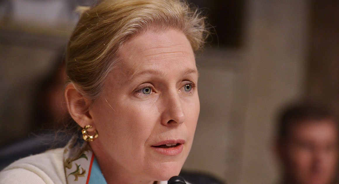 Gillibrand Wants Cosbys Presidential Medal Returned