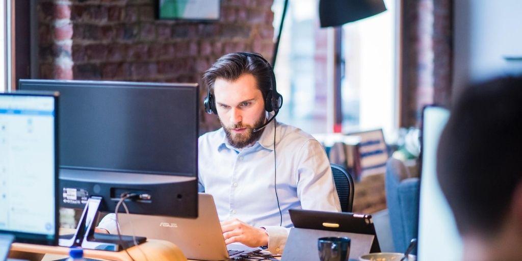 customer-service-top-dropshipping-strategies