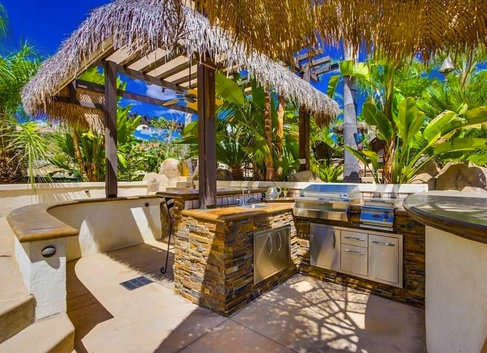 tropical patio outdoor kitchens Tropical Outdoor Kitchen - Outdoor Kitchen Ideas - 10