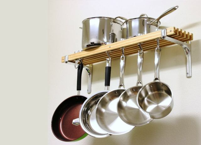 Wallmounted pot rack