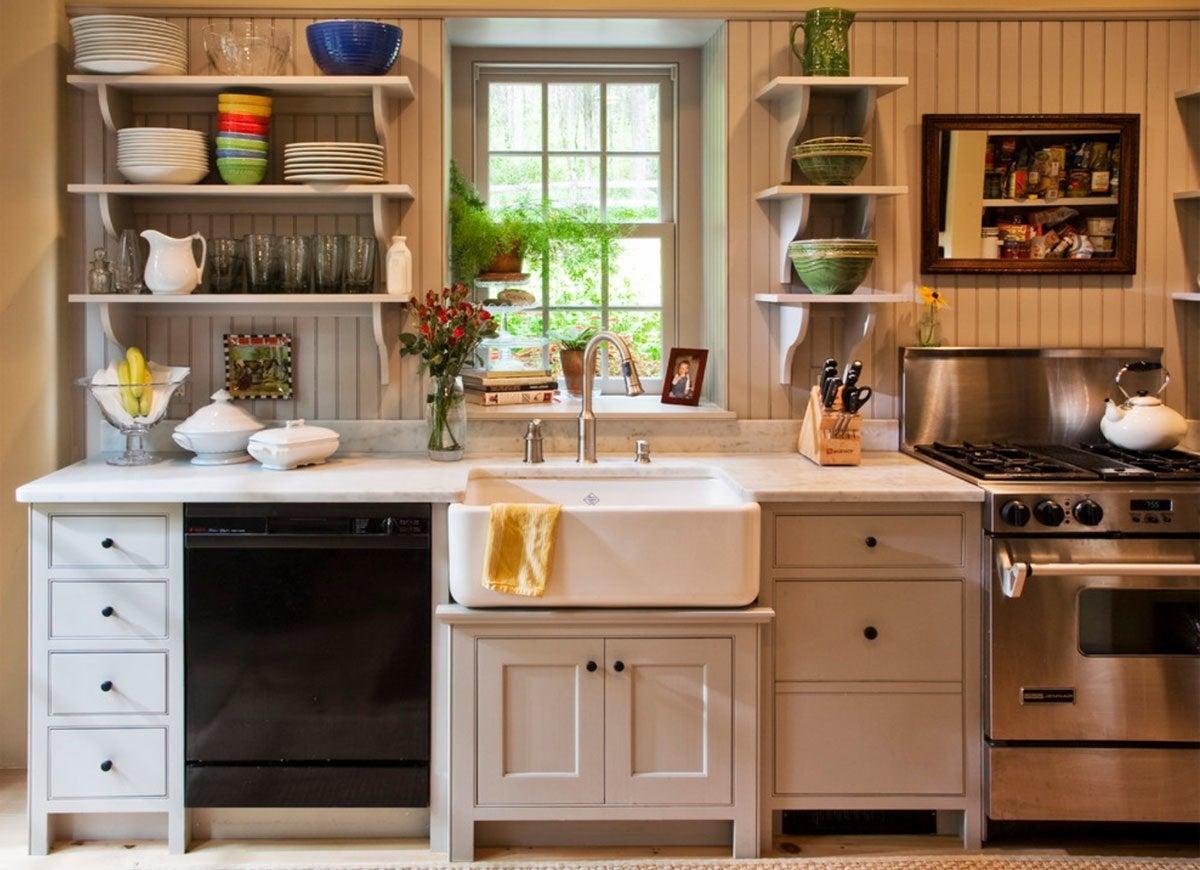 Farmhouse Sink in Kitchen - Vintage Kitchen Ideas - 12 ... on Farmhouse Kitchen Sink Ideas  id=99852