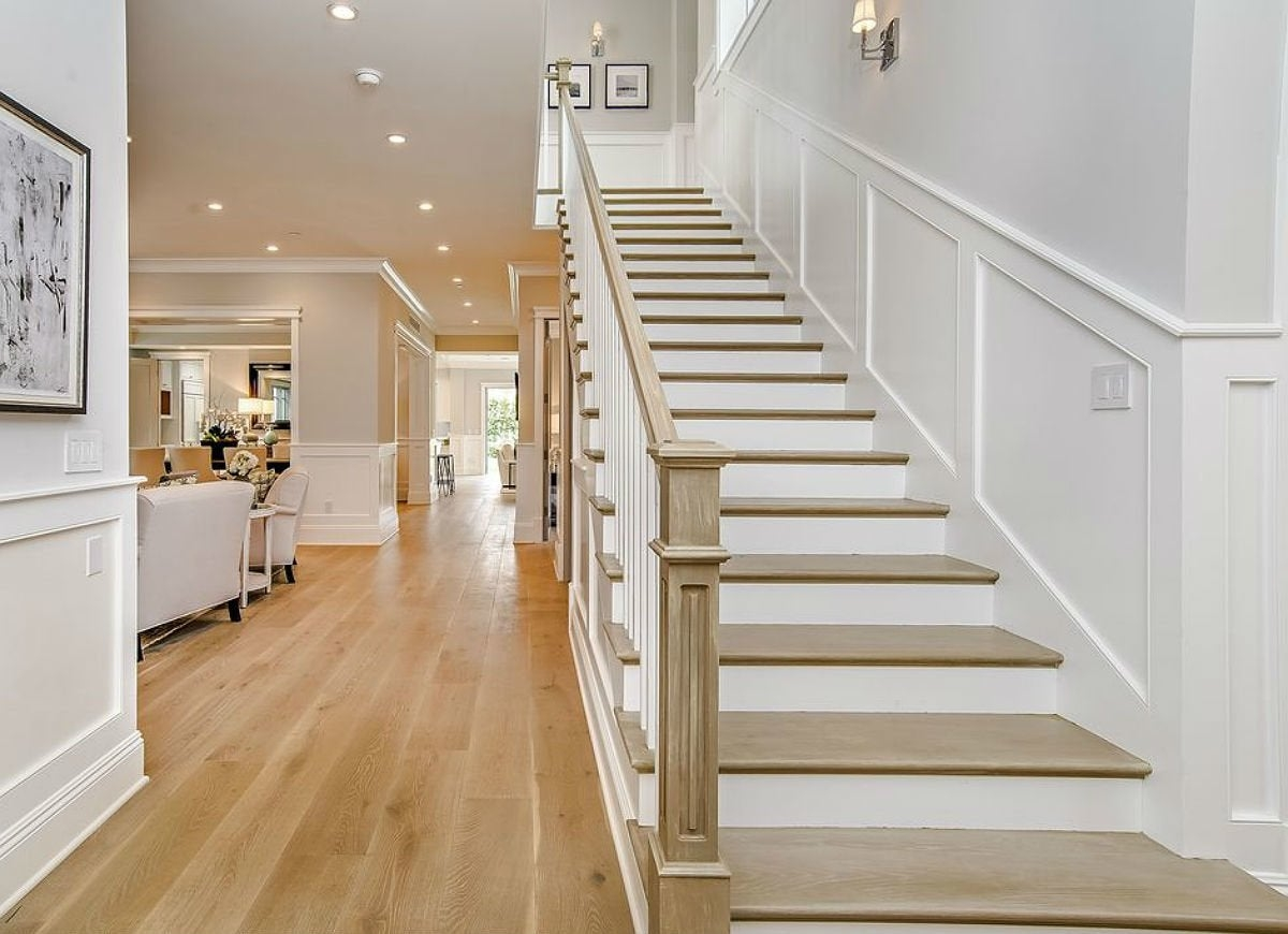 The Wainscoting Ideas With The Most Character And Charm Bob Vila | Home Interior Steps Design | Outside | New Model | Balcony | Interesting | Innovative