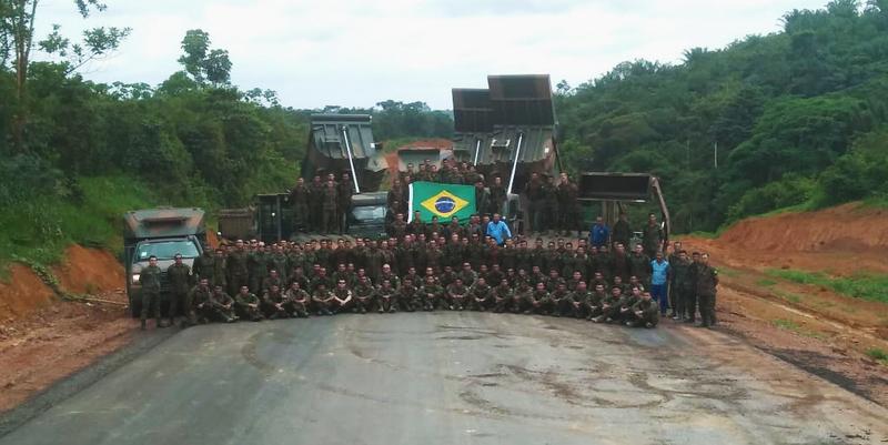 Exército comemora 100% de pavimentação