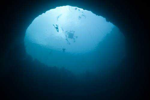 Free-diving-at-Deans-blue-Hole-Bahamas