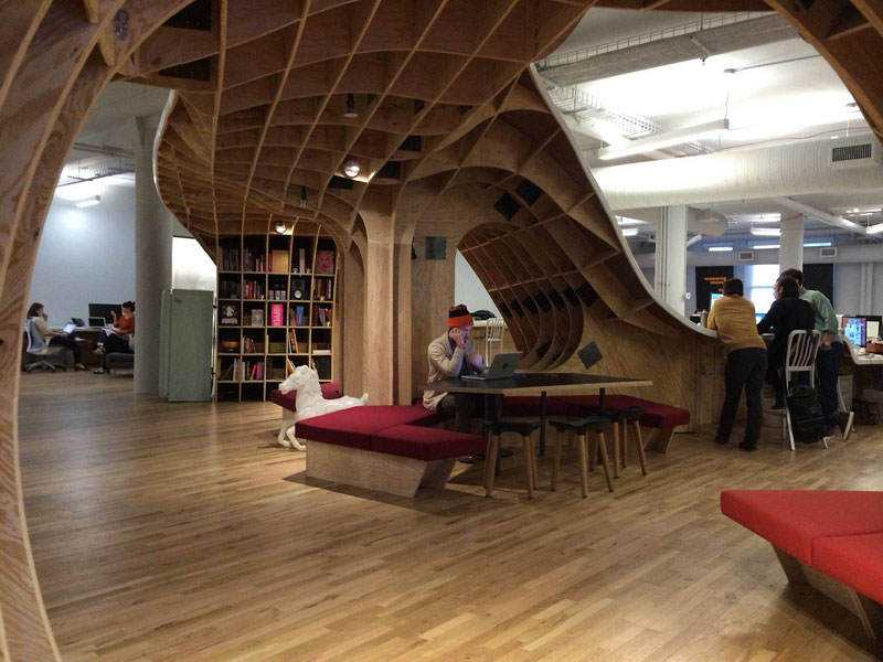 barbarian-group-nyc-superdesk-one-giant-office-desk-by-clive-wilkinson-architects-machineous-8