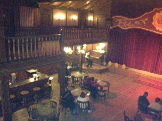 inside-the-saloon-listening