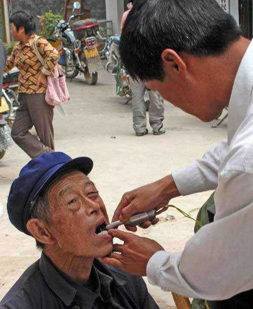 street-dentist-09