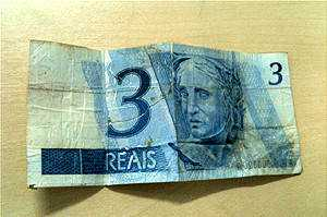 nota_falsa_de_tres_reais_apreendida_com__4d5b29e6ce73f-418520-4d5b29e6cfac6