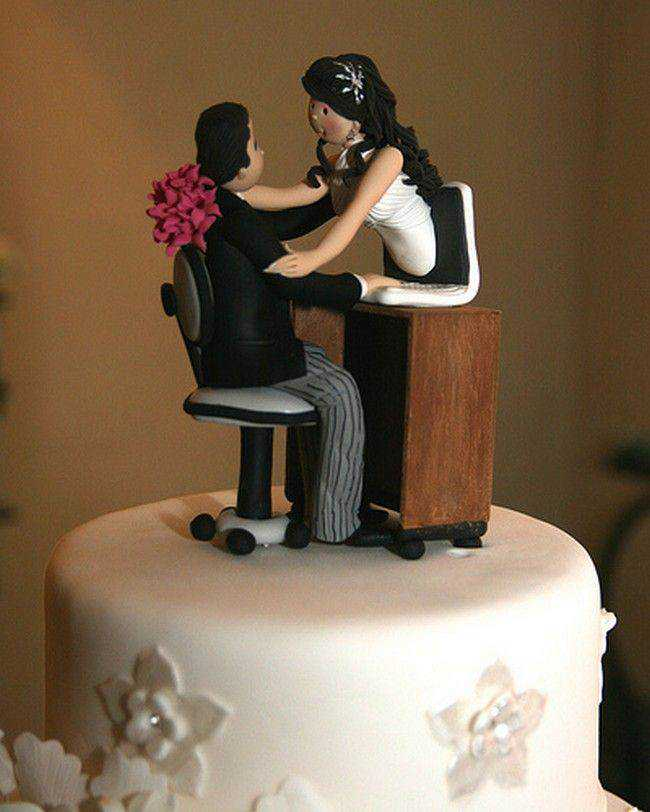 cool-wedding-cake-toppers