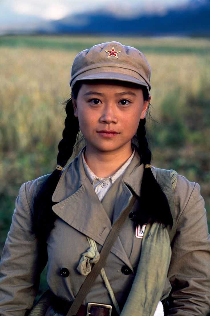 00406_06. Portrait of a Young Girl in Uniform.