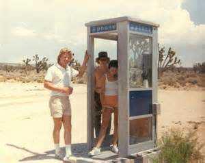 mojavephonebooth_californiakids