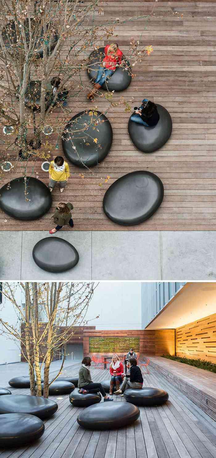 Bancos de lounge num Edifício comercial em San Francisco