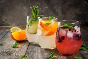 Do clássico ao contemporâneo: 3 receitas de drinks com gin para você se inspirar por Caio Fontenelle