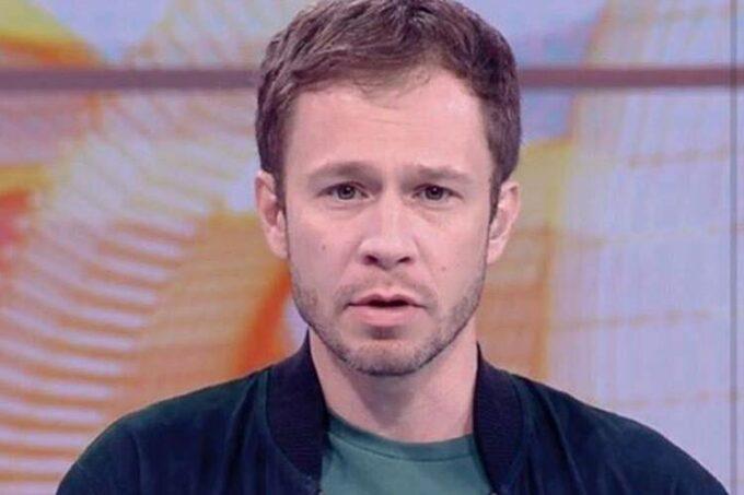 Tiago Leifert pega ranço de Rízia nos bastidores do BBB19 e tem ataque na Globo