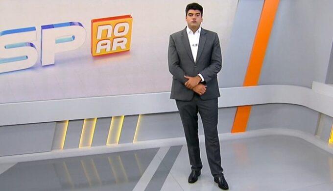 Aposta da Record, ex-Globo André Azeredo estreia no SP no Ar e perde para o SBT no ibope