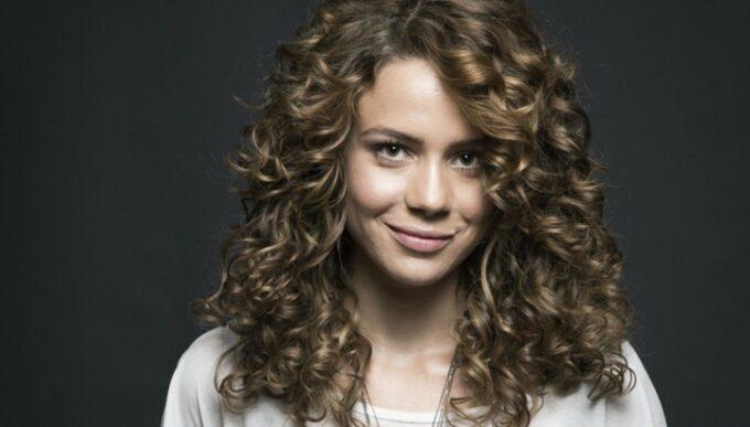 Leandra Leal cria série para a Globo inspirada na sua adolescência