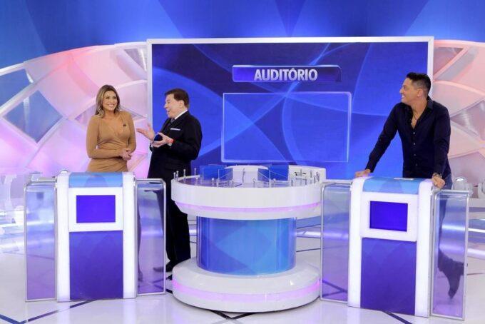 Silvio Santos expõe Maisa Silva e faz brincadeira sobre a virgindade da apresentadora