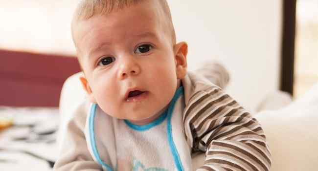 8 Month Old Baby Development & Milestones
