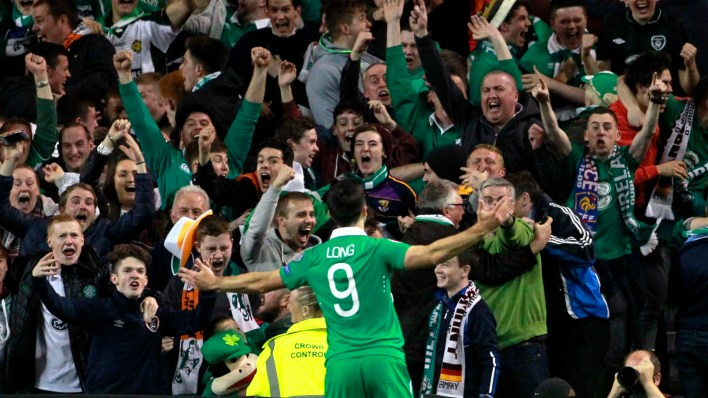 Shane Long é o camisa 9 da Irlanda (AP Photo/Peter Morrison)