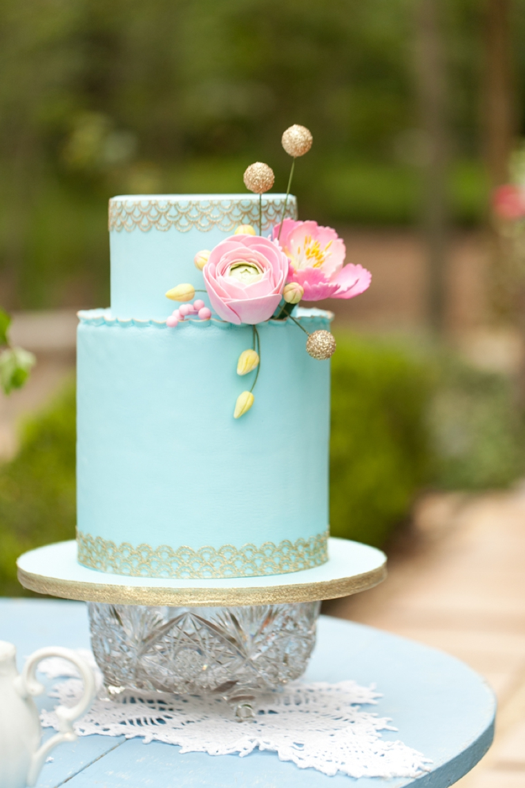 8 Unique Wedding Cake Ideas   Every Last Detail 8 Unique Wedding Cake Ideas via TheELD com