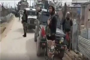 Jammu-Kashmir: कुलगाम में आतंकी मुठभेड़, सुरक्षाबलों ने 4 आतंकियों को मार गिराया