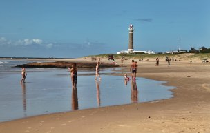 Jose Ignacio El Faro and beach reflection