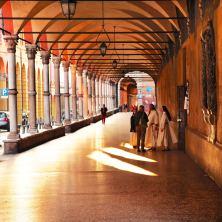 Bologna porticos nuns