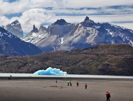 Grey's Lake icebergs