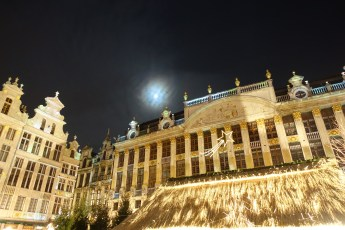 Brussels Grand Place moon over