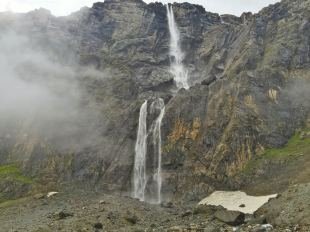 Cirque de Gavarnie waterfall dark
