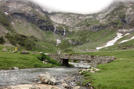 Cirque de Troumouse Bridge