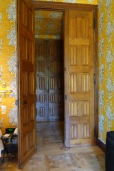 Chateau de Riell bedroom door