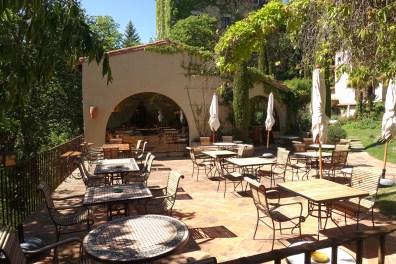 Restaurant du Châtelain terrace morning
