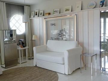 La Coorniche all white decor