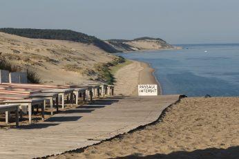 La Coorniche cliff sign