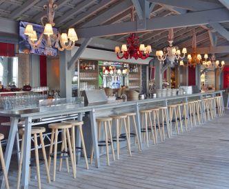 La Coorniche outdoor bar