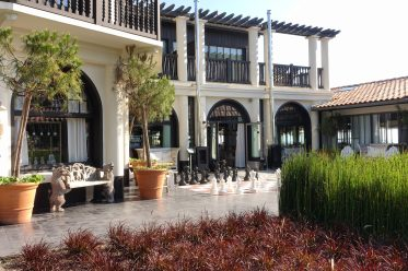 La Coorniche villa entrance