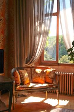 Chateau de Riell window chair