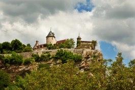 Lacave hilltop chateau