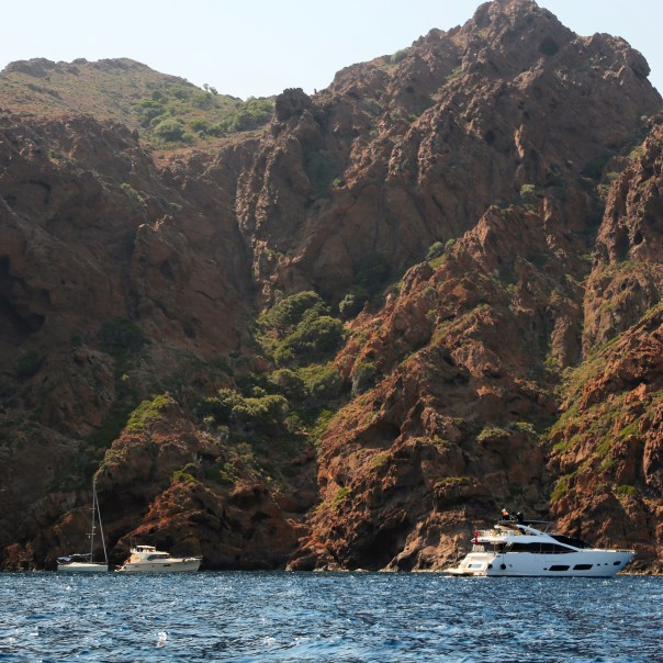 Scandola Nature Reserve picnic boats