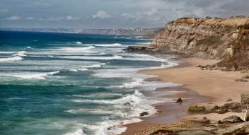 Areias do Seixo waves