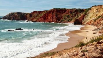 Praia do Amado red beach