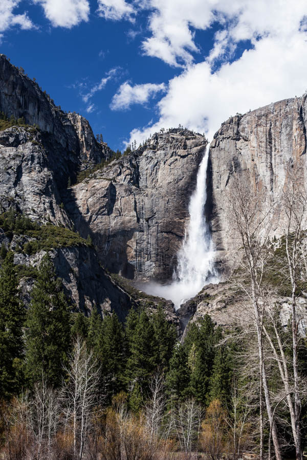 7 Tips to Help You Hike Upper Yosemite Falls - photograph silky waterfalls #vezzaniphotography