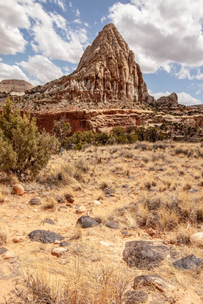 Pectols Pyramid as seen while hiking to Hickman Natural Bridge at Capitol Reef National Park #vezzaniphotography