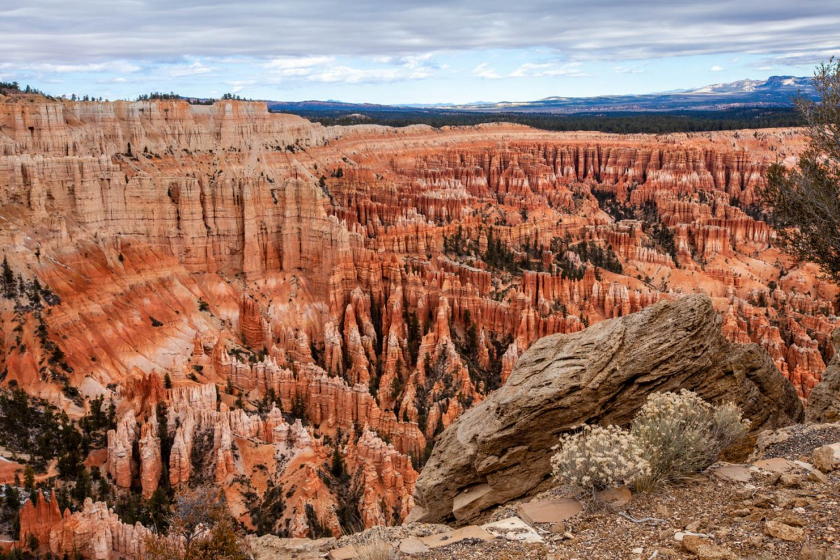 Bryce Point View of the Bryce Canyon National Park Amphitheater 5 Best Photo Spots Bryce Canyon #vezzaniphotography Photographer's Guide to Bryce Canyon National Park