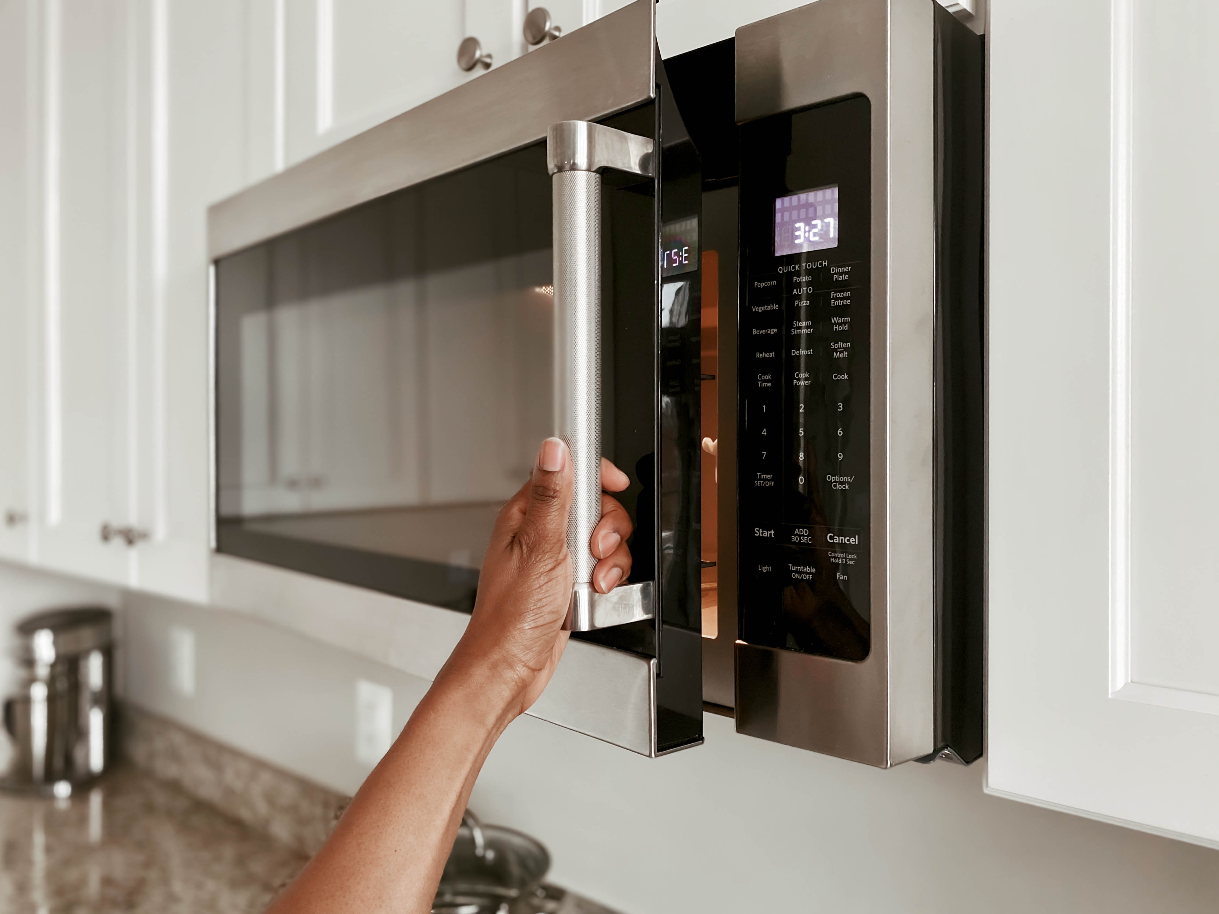https www hunker com 13407956 what is the typical size of a microwave