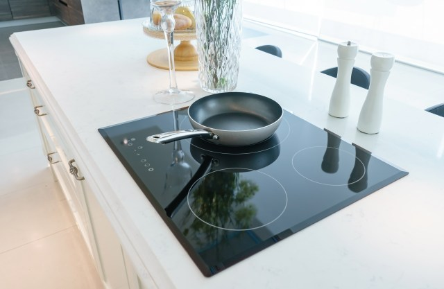 How to Remove Scorching From Ceramic Stovetops