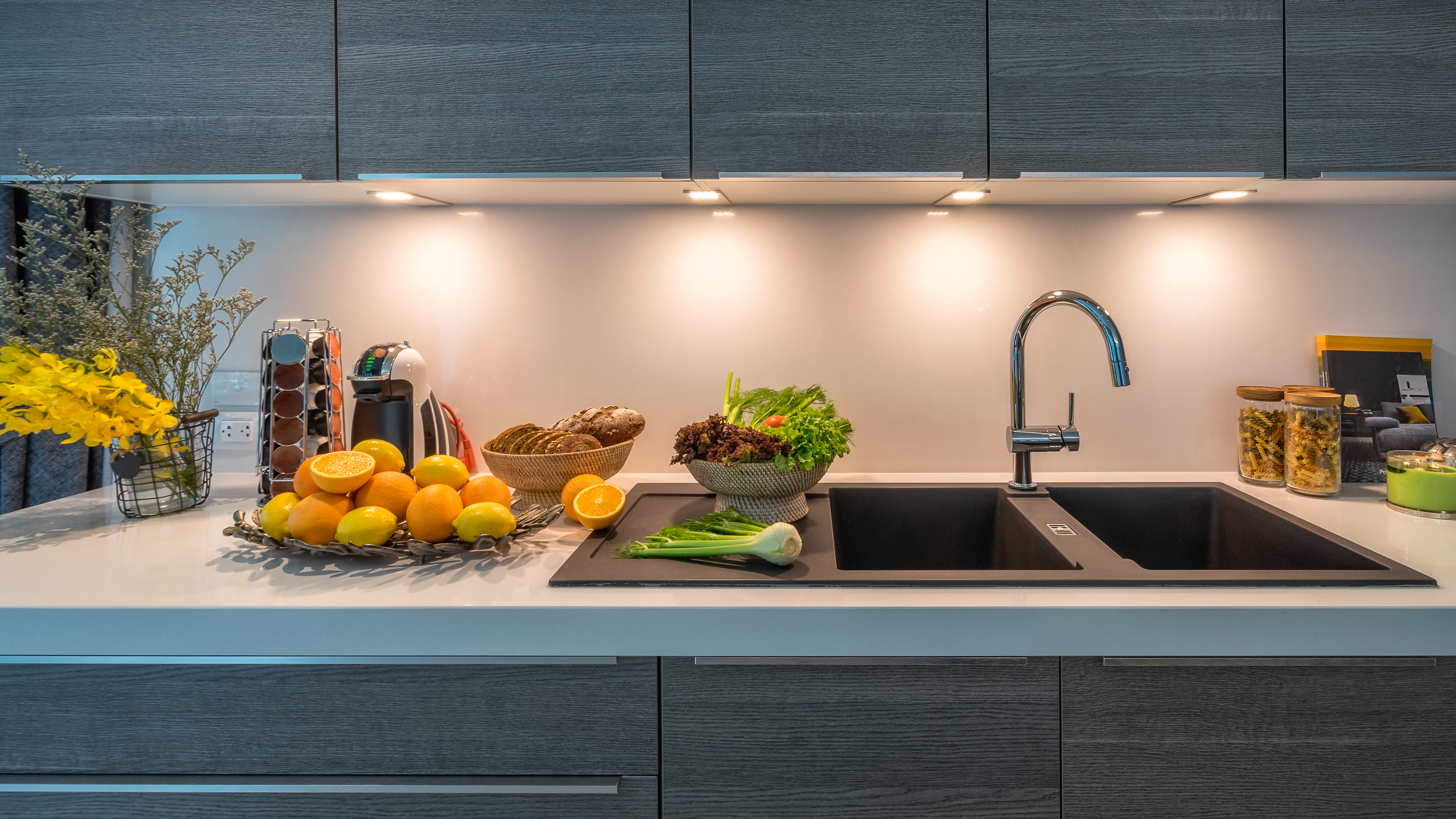 https homeguides sfgate com type lighting recommended above kitchen sink 69609 html